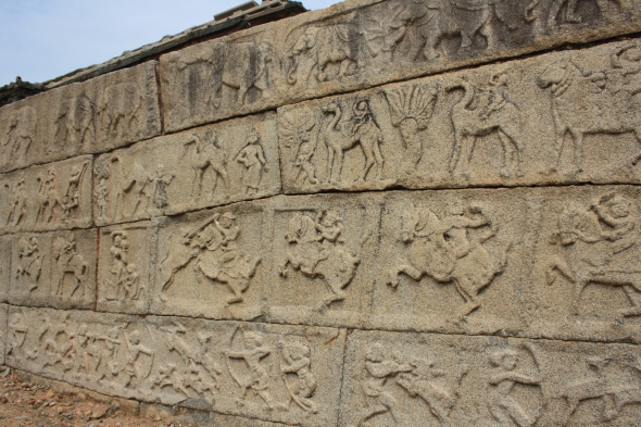 Carvings show women warriors