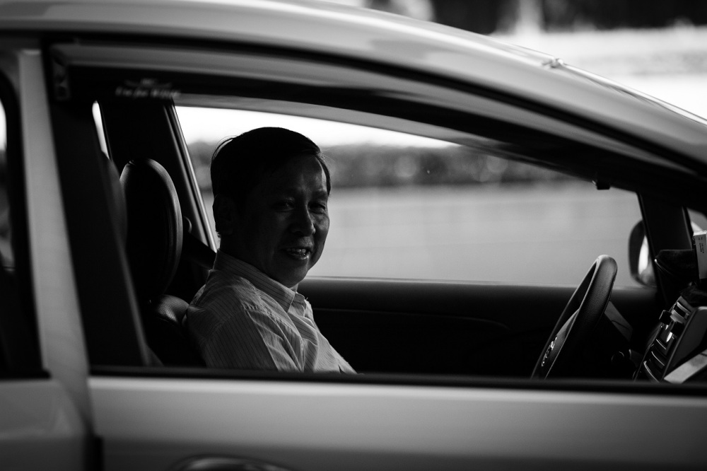 Mr. Li is from Myanmar. He moved to Taipei with his family 20 years ago because of the political conditions there. Now he's one of the few international cab drivers in Taipei, that too one who can speak English.